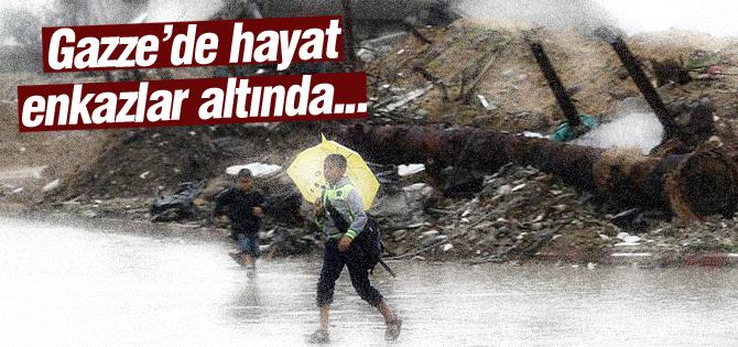Gazzede hayat enkazların altında!