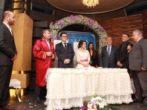 Sancar, Marinada nikah şahidi oldu