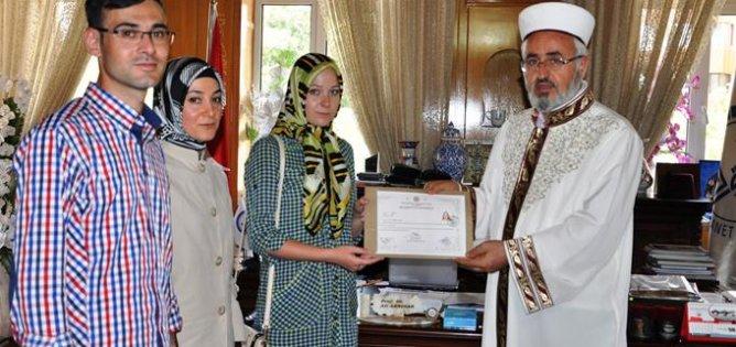 Kazakistanlı Viktoriya İslamı Seçti