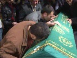 Müslüm Gürsesin cenazesinde arbede