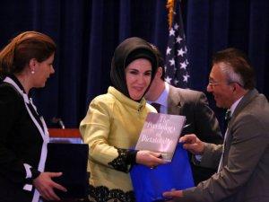 ABDde Emine Erdoğana hediye edilen kitap