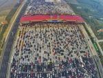 Çinde tatil dönüşü trafiği