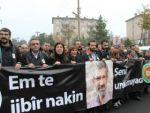 Tahir Elçinin cenazesinde PKK flaması taşıdılar