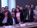 HDPliler komisyonu gerilla marşıyla terk etti