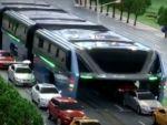 Çin 1200 yolcu taşıyan otobüs yaptı