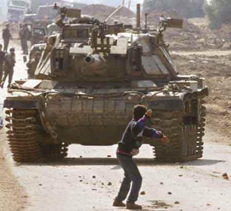 127.-tank-ve-çocuk.20140318191910.jpg