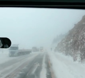 ahmet-güldağ-cumartesi-günküalacabel-de-tipi-ve-buzlanma-içindeki-trafik.jpg