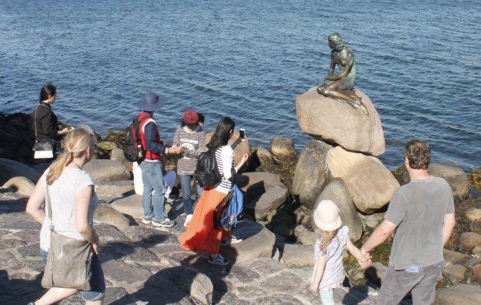 deniz-kizi-heykeli.jpg