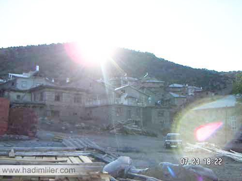 gaziler-köyü-gece-eski-evler.jpg